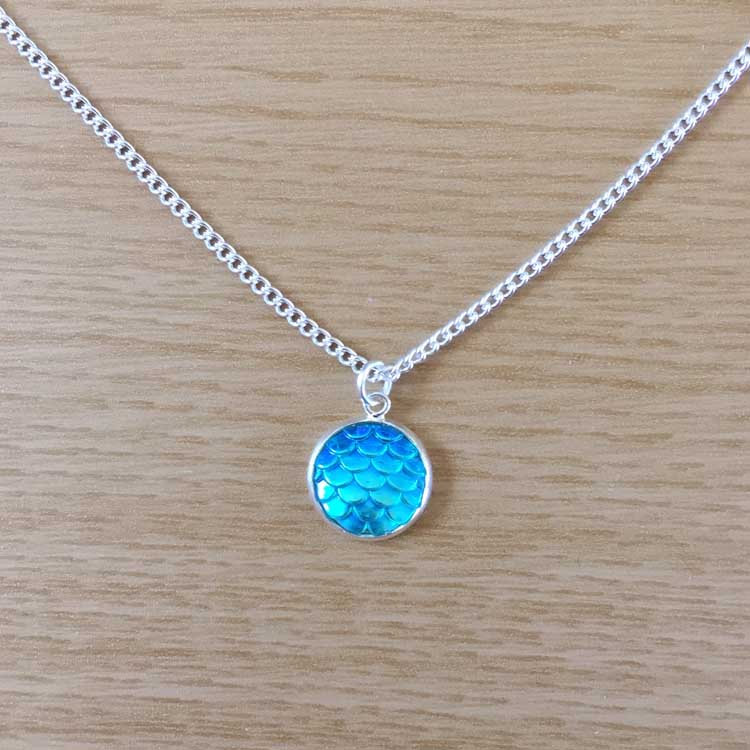 """Handmade Blue Mermaid Scale 14"""" Chain Necklace"""